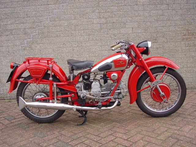 MOTOS PARA EL RECUERDO DE LOS ESPAÑOLES-http://www.guzzireal.com/images/1947b.jpg